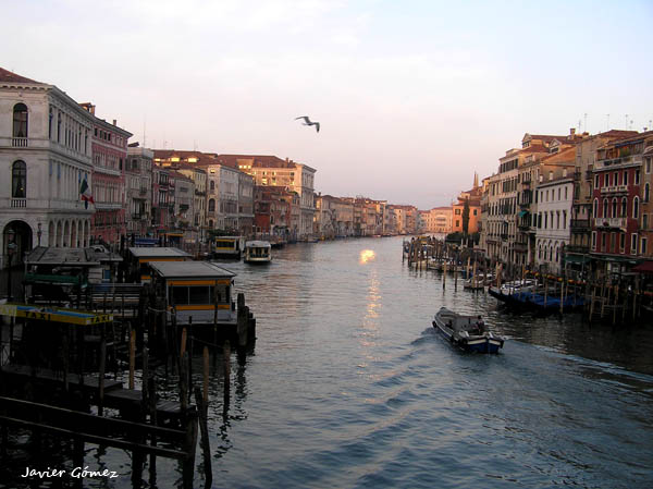 Amanecer en el Gran Canal