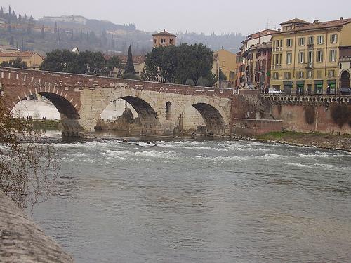 Río Adagio, paisaje de Italia