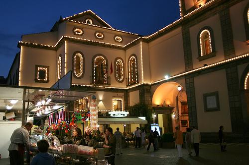 Piazza y Basilica de Sant'Antonino, Sorrento, Toscana