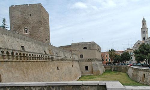 Castillo Bari, Apulia