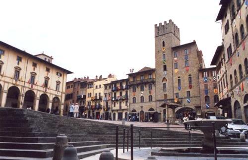 Arezzo, ciudad de corazon medieval