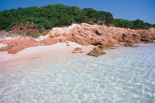 Playa rosa, en Cerdeña.