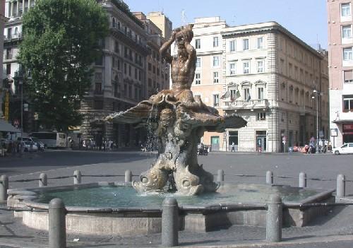 fuente de Triton en plaza barberini