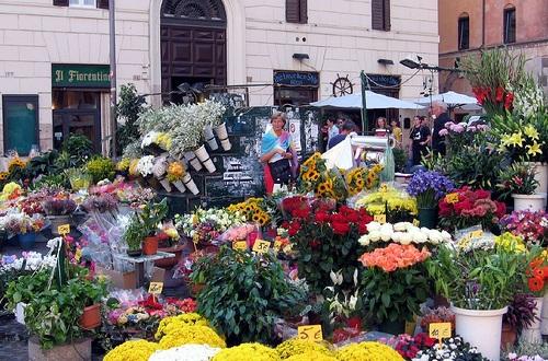 Campo de Fiori, de las plazas más activas de Roma