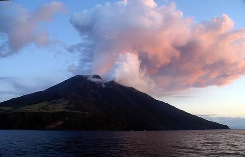 Stromboli, el volcán más famoso de las Eolias