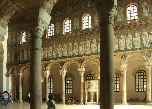 La Basilica de San Apolinar Nuevo en Ravenna