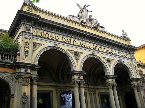 Teatro Arena del Sole en la ciudad de Bolonia