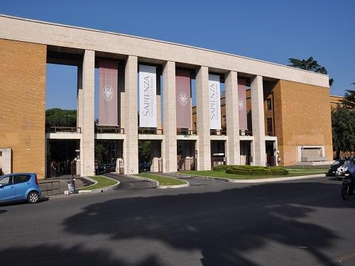 De visita por la Universidad de Roma La Sapienza