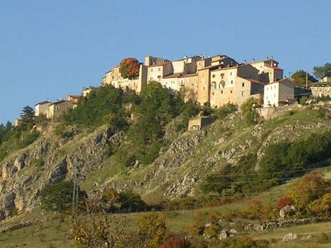 Visitar Bisegna, en la Provincia de L Aquila