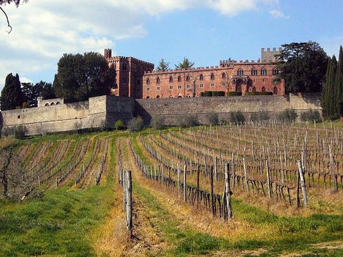 Castillo de Brolio, donde el buen vino y belleza están presentes