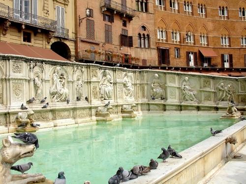 La Fonte Gaia, la más hermosa de Siena