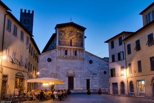 Visitar la Iglesia de San Frediano en Lucca
