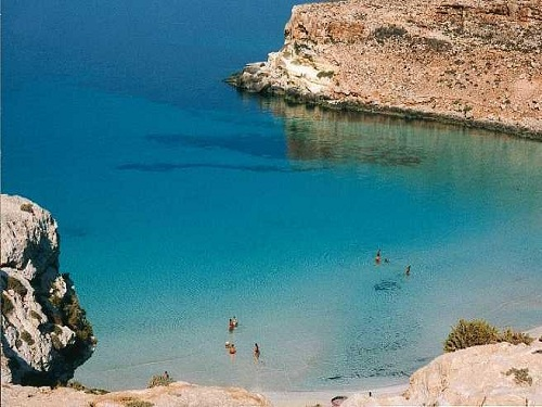 la isla de Lampedusa, cerca de Sicilia